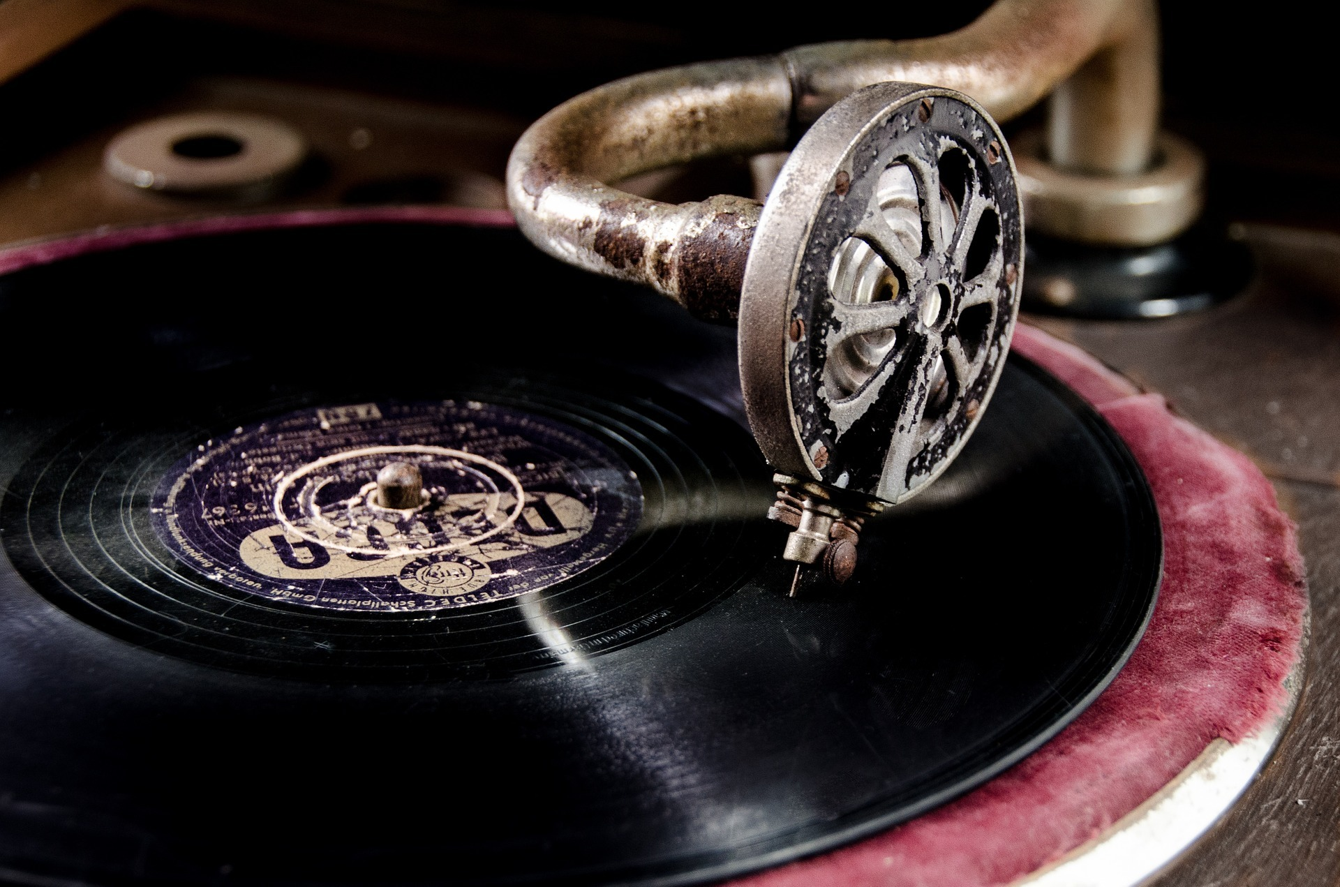 Know More about The Serial Numbers in Vinyl Records
