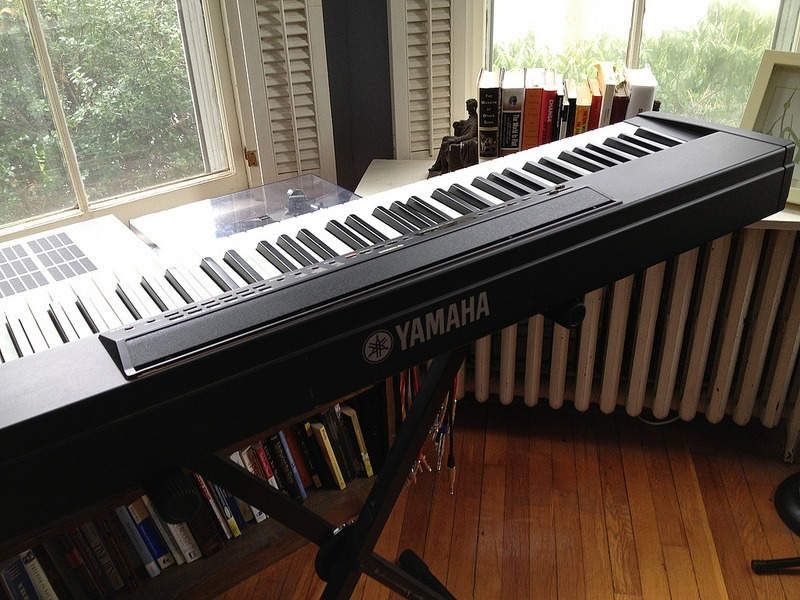 What are Advantages of a Digital Piano?