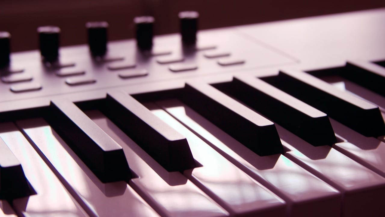 Type ​Of Keys - Weighted Keyboard, Piano, And Weighted Keyboard Buying Guide