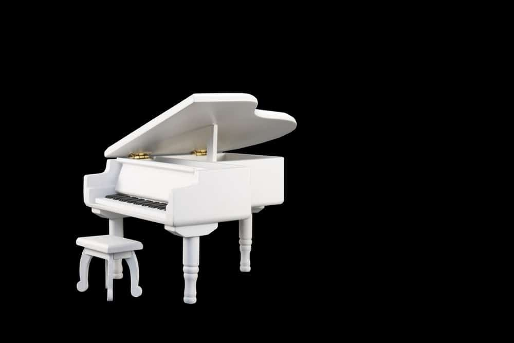 piano with small dimensions