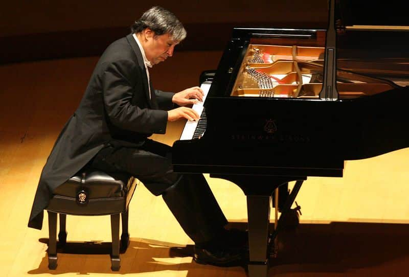 http://www.classicfm.com/music-news/videos/evgeny-kissin-rachmaninov-memoirs/