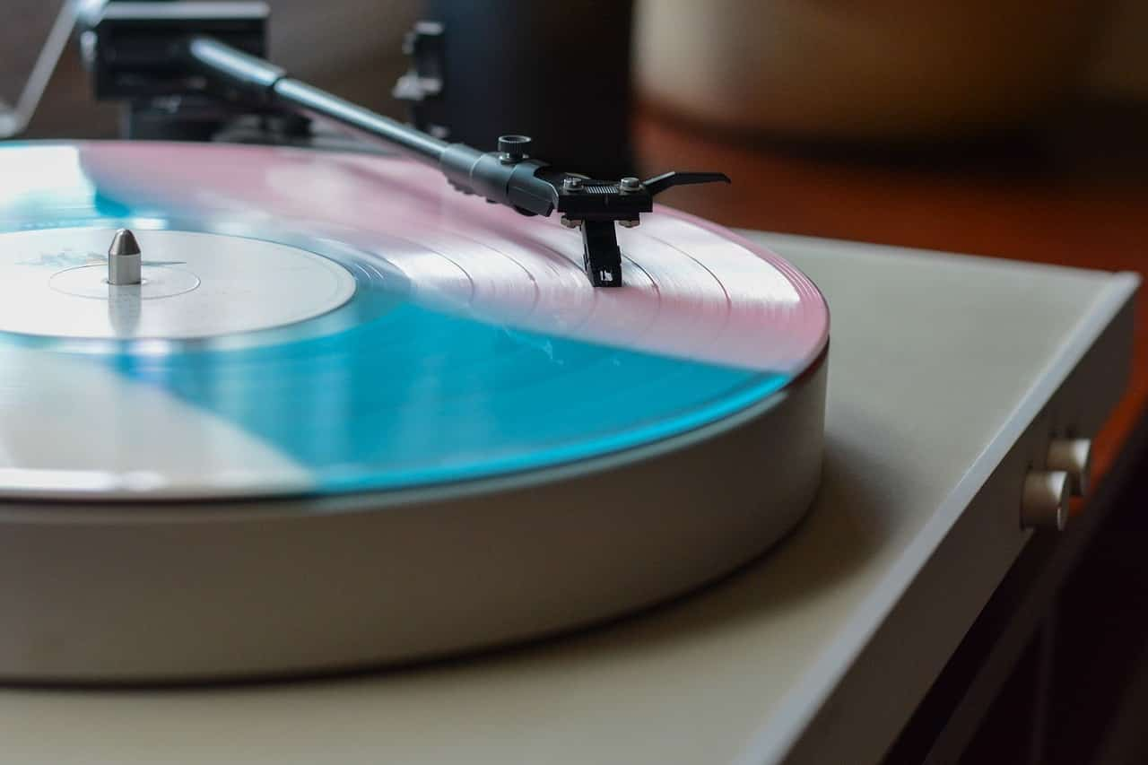 How to Repair a Record Player