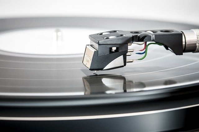 ​​Direct Drive vs Belt Drive Turntable What are the differences
