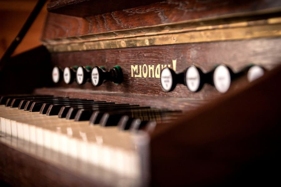 Clean The Outer Wood Of The Piano